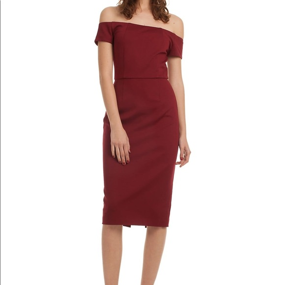 Trina Turk Dresses & Skirts - Trina Turk Maroon Off the shoulder Cocktail dress